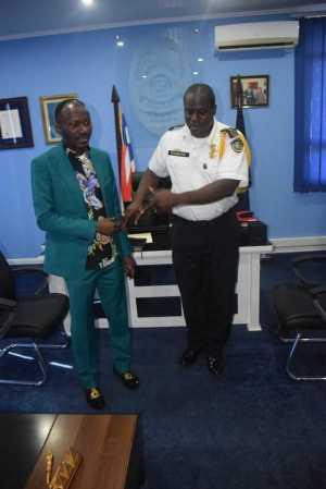 Apostle Johnson Suleman Visits Liberian IG Of Police, Prays For Him (Photos)
